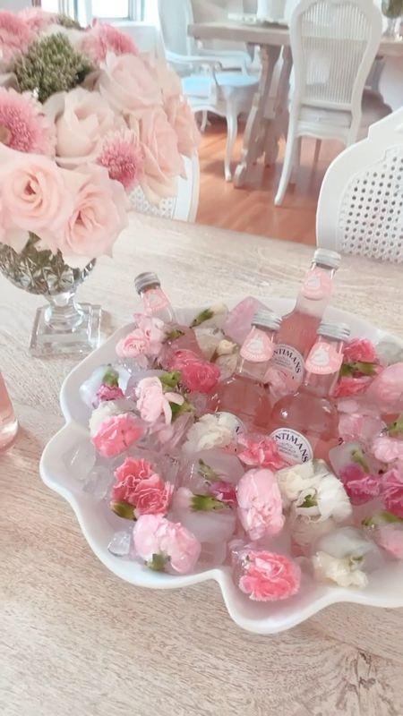 Happy #floralfriday! Today, I'm doing a fun spin on florals and adding them to ice cubes to pretty up some iced beverages! This ruffle bowl worked perfectly as a beverage bowl! 🌸   #LTKunder100 #LTKhome #LTKunder50 http://liketk.it/3fOfb #liketkit @liketoknow.it