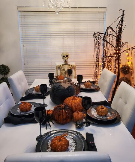 sharing all the modern Halloween tablescape inspo #Halloween #tablescape #spookyseason