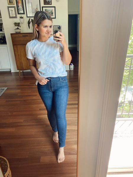 Petite friendly jeans from the Nordstrom sale! These are by Mother and run true to size. Petite friendly jeans Petite jeans Petite blogger  Petite style  #nsale