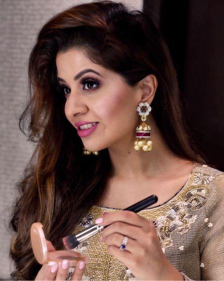 Highlighter game on from last night with @tartecosmetics ➰ Find the makeup tutorial on my Insta-Story 👀 http://liketk.it/2rgY8 @liketoknow.it #liketkit  _________________________________________ #makeup #tartecosmetics #tarte #influencer #beautyblog #makeupartist #beautyinfluencer #torontoigers #torontobeauty #torontobeautyblogger #instadaily #first #recent #fblogger #SMMarina #sephoracanada #sephora #hudabeauty #hudalashes #pakistanstreetstyle #pakistanifashion #secretclosetpk #instastyle #makeupblog #maccosmetics