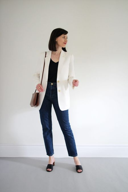 A recent look from the Style Journal.   Blazer - old Everlane  Tee - ABLE - Use LEEV20 for 20% Off Jeans - Sezane - True to size. Bag - A.P.C. Shoes - Old Nisolo