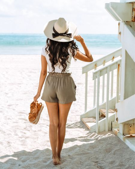 Are you ready for Spring Break? 🏖 If you're not, and need some outfit inspo, I got ya! My paper bag shorts, crop top, straw hat, and sandals are from @agaci and for a total of about $60. They are having a #springbreak sale today 😱 so screenshot my picture to get the look through the @liketoknow.it app or head over to my blog through the link in my bio 😊 http://liketk.it/2Ak4S   #liketkit #LTKsalealert #LTKunder50 #LTKstyletip #casuallooks #springstyle #summervibes  #fashiontips #outfitshare #instafashionist #shetravels #styleshare #whowhatwearing #affordablestyle #realoutfit #miamiblogger #miamistyle #miamilife #effortlessstyle #wearitloveit #everydaystyle #momstyle #modalatina #modamujer #rewardstyle #americanstyle #agacigirl #everydaystyle #dressmeforless