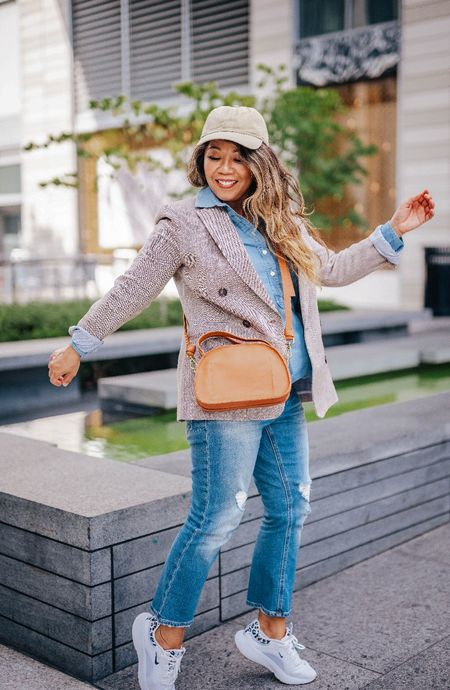 New blog post is up on 10 fall essentials you need for fall.
