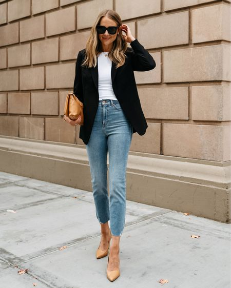 Business casual black blazer and jeans outfit #businesscasual #blackblazer #falloutfits #express   #LTKworkwear #LTKstyletip #LTKunder100