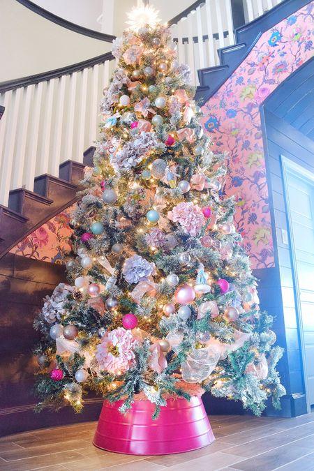 Pretty in pink Christmas tree 🎄 💗 . .  http://liketk.it/30SXG #liketkit @liketoknow.it #StayHomeWithLTK #LTKhome #LTKunder50 @liketoknow.it.home  Christmas decor, holiday decor, Christmas ornaments, Christmas tree, home decor, holiday decorating, foyer