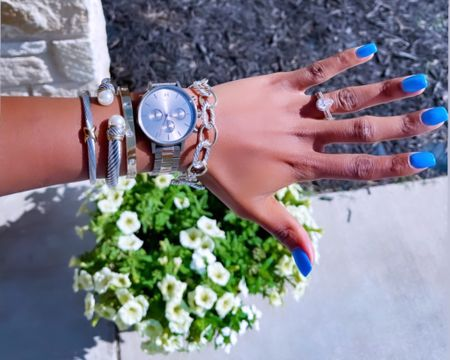 #LTKDay #LTKunder50 #LTKsalealert http://liketk.it/3hlyp #liketkit @liketoknow.it eternity bracelet, bracelet set, arm candy, jewelry, the styled collection, affordable accessories, affordable jewelry, budget friendly jewelry, gifts for her, bangle, cuff
