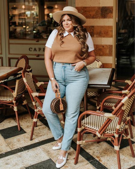 curvy fall style! wearing size xl in top and size 32 in jeans!   #LTKstyletip #LTKcurves #LTKSeasonal