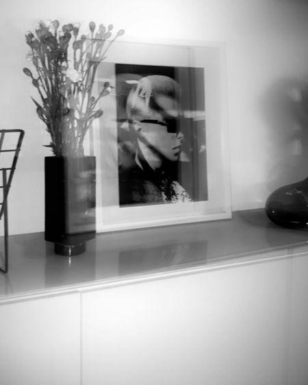 http://liketk.it/2PJvz #liketkit @liketoknow.it Interior, Dekoideen, Decoration, Vasen, Black and White Interior