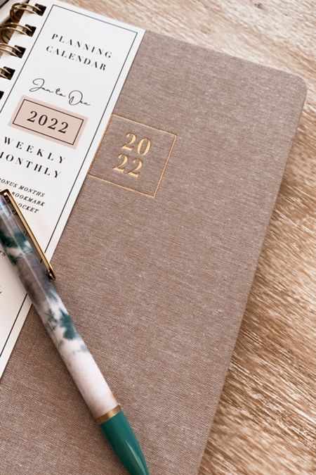 2022 5x8 planner from Rachel Parcell and Blue Sky planners!   #LTKunder50