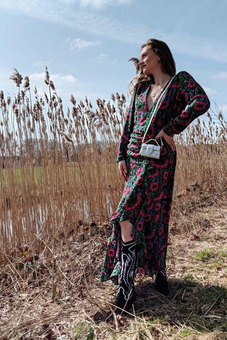 Front of the Rixo Dress - ready for Spring #liketkit #LTKSpringSale #LTKstyletip #LTKfit @liketoknow.it @liketoknow.it.europe http://liketk.it/3c761