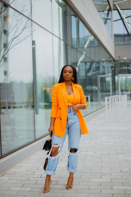 Orange crush 🍊🍊 one of the colors I'm loving this spring and going into summer  Outfit details linked on my blog and via the @liketoknow.it app  Happy Monday y'all, been a minute ☺️  . .  #liketkit http://liketk.it/3ftIO #ootd #LTKfit #LTKstyletip #springoutfit