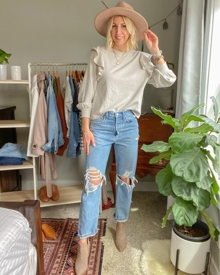 http://liketk.it/3bvTg #liketkit @liketoknow.it  Spring capsule wardrobe: Ruffle sweatshirt 90's jeans Booties Hat #LTKunder100 #LTKstyletip #LTKunder50