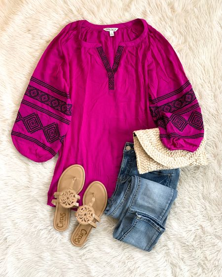 Love the magenta color of this $25 peasant blouse by The Pioneer Woman at Walmart! 💗 Fits tts, I got the small. Cute with denim (white or blue) and boots or cutoffs and sandals. Also comes in white or black. Swipe up in Stories! http://liketk.it/3gHsi #liketkit @liketoknow.it #LTKunder50