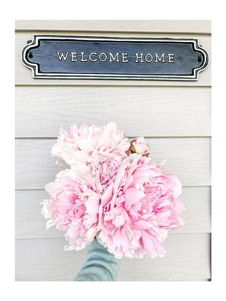 Welcome Home sign for my front porch! #spring #porchdecor #StayHomeWithLTK #liketkit #LTKhome #LTKspring @liketoknow.it @liketoknow.it.home You can instantly shop all of my looks by following me on the LIKEtoKNOW.it shopping app! ➡️ http://liketk.it/2OPlP