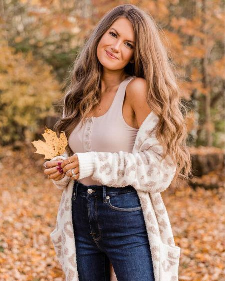 The Frances Henley Tank Bodysuit Taupe  XS, TTS, cmcoving, Caitlin Covington, Pink Lily Collection, fall fashion, use code CAITLIN20 for 20% off!   #LTKunder50 #LTKSeasonal #LTKsalealert