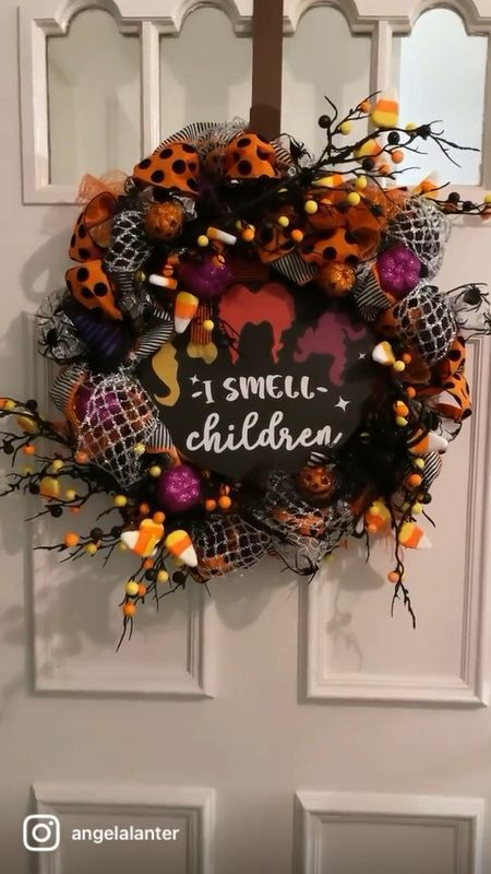 DIY Halloween Hocus Pocus wreath tutorial with ribbons, decorations and pumpkins 🎃   #LTKSeasonal #LTKhome #LTKHoliday
