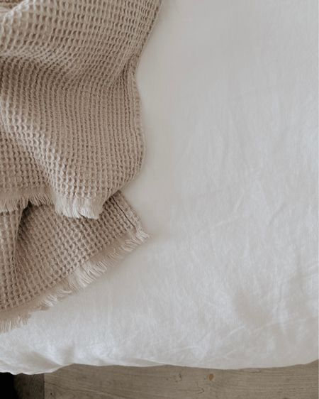 I'm all about neutrals but I'm also all about texture! 😍 If you are too check out the Cotton Muslin Bedspread and Cotton Duvet Cover Set, the textured one at H&M .. they're gorgeous and tempting me!! http://liketk.it/389nZ @liketoknow.it #liketkit @liketoknow.it.home