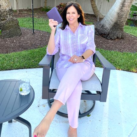 💜When your kindle matches your outfit you know it's going to be a great day!  And when that outfit is on sale, it makes your Saturday even greater. 💜   @lovechicos is having all kinds of fab sales this Mother's Day weekend. I'm wearing this comfy no-iron purple striped linen shirt and my so slimming girlfriend ankle jeans.   Treat yourself to something special, and when you're done shopping, download 𝘿𝙖𝙞𝙨𝙮 𝙅𝙤𝙣𝙚𝙨 𝙖𝙣𝙙 𝙩𝙝𝙚 𝙎𝙞𝙭.  The author,  @tjenkinsreid, who also wrote the popular novel, 𝙏𝙝𝙚 𝙎𝙚𝙫𝙚𝙣 𝙃𝙪𝙨𝙗𝙖𝙣𝙙𝙨 𝙤𝙛 𝙀𝙫𝙚𝙡𝙮𝙣𝙚 𝙃𝙪𝙜𝙤, has another fab novel to add to her list.   𝘿𝙖𝙞𝙨𝙮 𝙅𝙤𝙣𝙚𝙨 𝙖𝙣𝙙 𝙩𝙝𝙚 𝙎𝙞𝙭 is a fictional novel about a 1970's band, think- Fleetwood Mac. Daisy is a young,  beautiful teenager (character inspired by Fleetwood Mac's Stevie Nicks) who does whatever she pleases (parents are not exactly hands on), is a regular at all the nightclubs, and starts getting into sex, drugs, and rock and roll - typical of the times.  Not going to give anything away, but I will tell you this is a perfect spring/summer read, and if you're a fan of @tjenkinsreid, you will not be disappointed. Linked the novel in my bio, too, @liketoknowit.  What are you reading these days?  Happy Saturday, friends!   http://liketk.it/3eN3p #liketkit @liketoknow.it