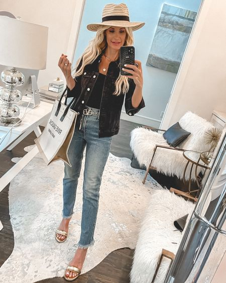 $39 straw hat + the most Comfortable and slimming jeans by Madewell run so size down one size wearing a 24 @liketoknow.it #liketkit http://liketk.it/3ha4r #LTKunder100 #LTKstyletip #LTKshoecrush Shop my daily looks by following me on the LIKEtoKNOW.it shopping app