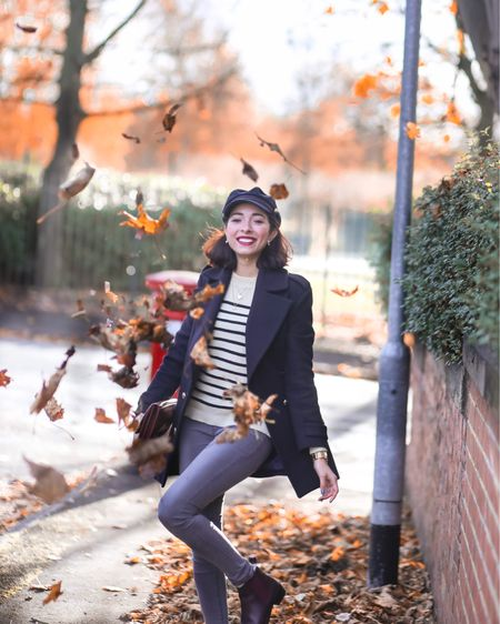 Can you all believe we are only two weeks away from Christmas 🎄 day? The Christmas season is absolutely flying by!  A new post is now on www.preppyfashionist.com [link in bio] wearing this gorgeous @joanieclothing Breton striped jumper and my favourite Chelsea 🥾 from @emuaustralia   Photography by @gemma     http://liketk.it/2yM9w #liketkit @liketoknow.it
