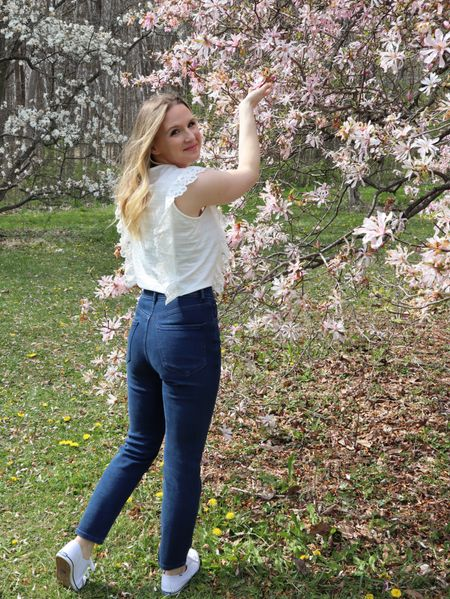 Casual spring outfit.   #LTKworkwear #LTKSeasonal #LTKshoecrush