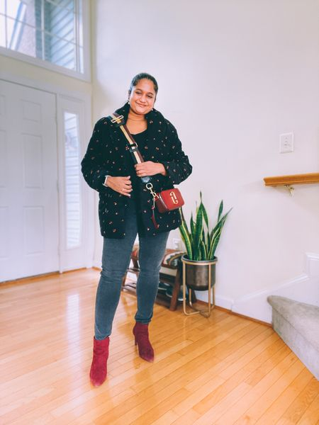 Fall outfit, oversized puffer jacket, madewell jeans, fall style, burgundy boots, Marc jacobs snapshot bag   #LTKHoliday #LTKstyletip #LTKitbag