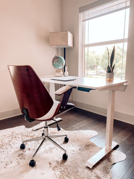 I finally have a little wfh office 😍 Thanks to @flexispot_official 🌟 I've been working from the couch so having my own space makes me so much more productive! 💻 I love that I can go from sitting to standing with a push of a button. Shop linked here or on FlexiSpot.com https://www.amazon.com/dp/B08P4F57MX #FlexiSpot #flexispotworkstations http://liketk.it/3fAZl #liketkit @liketoknow.it    #LTKhome