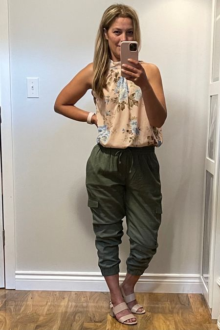 To add a feminine touch to your cargo joggers, you can combine it with some feminine blouse, and to further boost the look; you can also opt to wear some fancy accessories with it. This look is practical if you are off for lunch or casual outings with your friends. Heels or flats, both footwear, can complement this look.  http://liketk.it/3jEWY #liketkit @liketoknow.it