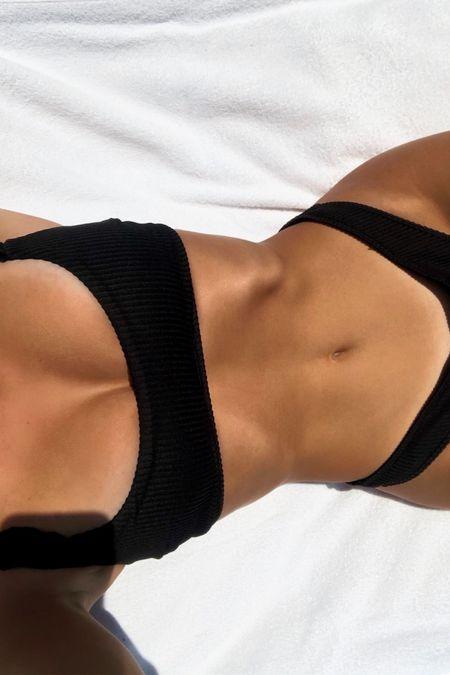 Hollister Bikini #swimwear #bikini #summeroutfit #pool #beachoutfit #bathingsuit #sunnyoutfit #cutebathingsuits #cheekybikini #liketkit #LTKswim #LTKstyletip #LTKunder50 @liketoknow.it http://liketk.it/3eCCj