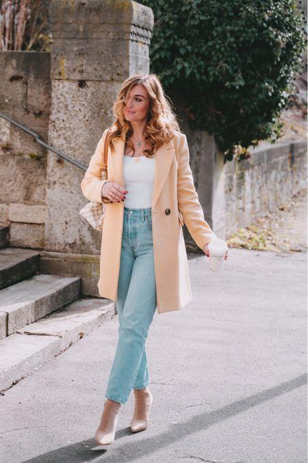 Gelber Mantel - Für ein bisschen Farbe in der Herbstkollektion 🍂🍁  #LTKstyletip #LTKSeasonal #LTKunder100