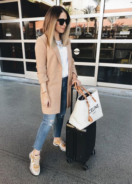 airport outfit #travel #traveloutfit  #LTKtravel
