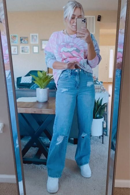 Sweatshirt is sold out, jeans wearing a 3, shoes a 7.5 http://liketk.it/39WgY #liketkit @liketoknow.it