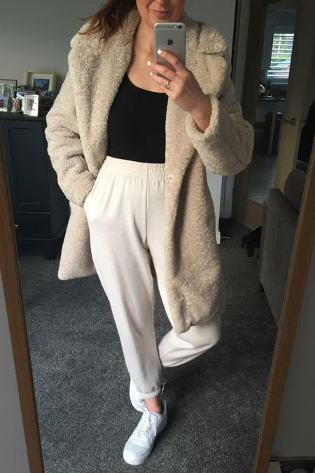 Teddy bear coat, bear coat, joggers, casual look, work from home look, stay at home outfit, casual home outfit, beige coat, new look, joggers outfit http://liketk.it/38ptU #liketkit @liketoknow.it @liketoknow.it.europe #StayHomeWithLTK #LTKeurope #LTKunder50