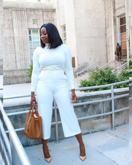 Every damn brick they throw at you, use it to stand taller than them.  . Can't believe we're almost half way through the week. #happyhumpday . Link to Outfit 👉🏾 http://liketk.it/2GANC #liketkit @liketoknow.it