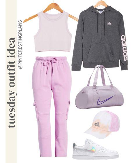 Tuesday outfit idea🙌🏻 http://liketk.it/3hY9W @liketoknow.it #liketkit #LTKstyletip #LTKshoecrush #LTKitbag