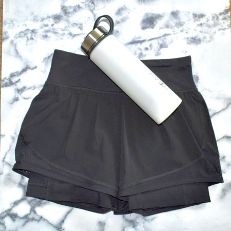 Looking for comfy, breathable and inexpensive running shorts? Check out the products linked to find these amazing CRZ Yoga Workout shorts I found. | #athleticwear #workoutgear #workoutshorts #athleticshortd #womensshorts #AmazonFashion #CRZYoga #AmazonFinds #JaimieTucker  #LTKfit