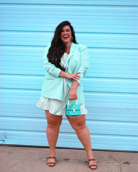 MINT to be 🤍 •  You can instantly shop all of my looks by following me on the LIKEtoKNOW.it shopping app http://liketk.it/3gCVC #liketkit @liketoknow.it #LTKcurves #LTKstyletip #LTKunder50