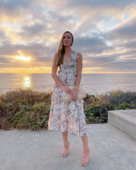Tonight's date night look 🤍 Dress is XS, heels and bag are old. Similar linked! #datenightoutfits #beachvacationdress #datenightdress #tiereddress