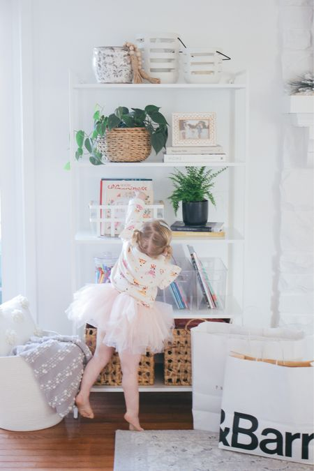 Shelf Styling for design & function- creating a space that's both functional for kids & pretty too! http://liketk.it/33fmm #liketkit @liketoknow.it #LTKhome #LTKfamily #StayHomeWithLTK @liketoknow.it.family @liketoknow.it.home #crateandbarrel #potterybarn #potterybarnkids #crateandkids #shelves
