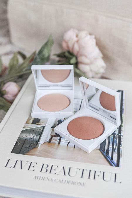Clean beauty bronzer and highlighter, that's also safe for acne prone skin! Perfect for an everyday glowy makeup look.   #LTKunder50 #LTKbeauty