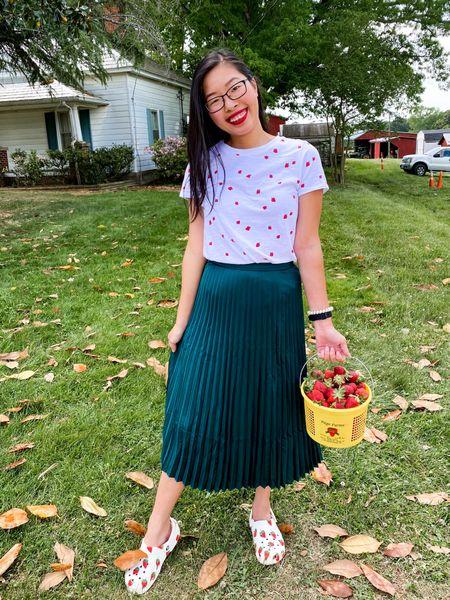 My strawberry picking outfit!   http://liketk.it/3enxP #liketkit @liketoknow.it