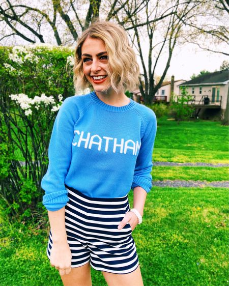 The coziest spring/summer sweaters! Also linking a similar pair of stripe shorts 💙 http://liketk.it/3dlff #liketkit @liketoknow.it