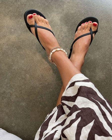 strapping black sandals #sandals http://liketk.it/3k9wl #liketkit @liketoknow.it