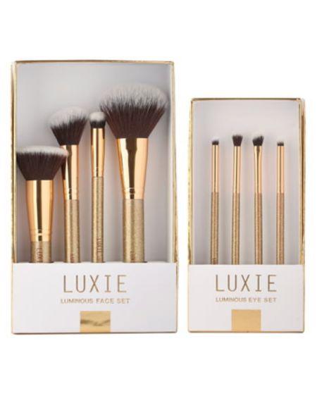 These makeup brushes make a gorgeous holiday gift. http://liketk.it/30tE4 #liketkit @liketoknow.it #LTKstyletip #LTKunder50 #LTKbeauty