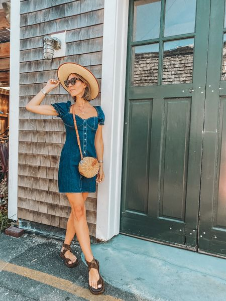 The perfect denim dress with end of summer!   #LTKstyletip