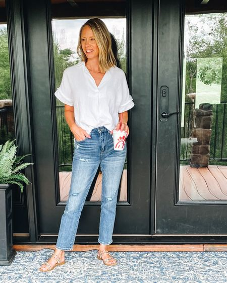 These jeans from Social Threads are absolutely amazing! I do recommend sizing down one.   http://liketk.it/3jBMc #liketkit @liketoknow.it #LTKunder100 #LTKstyletip #socialthreads #straightlegjeans #summerstyle #whitetop