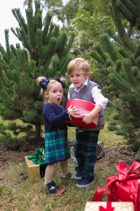 Fall Family Photos, Holiday Photos, Christmas Card Photo Outfits, Kids Holiday Outfits, Janie and Jack, Janie and Jack Holiday, Emily Ann Gemma, The Gemma Gang http://liketk.it/3q6fO  #LTKSeasonal #LTKHoliday #LTKkids