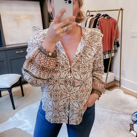 Perfect blouse for fall. Size: medium.