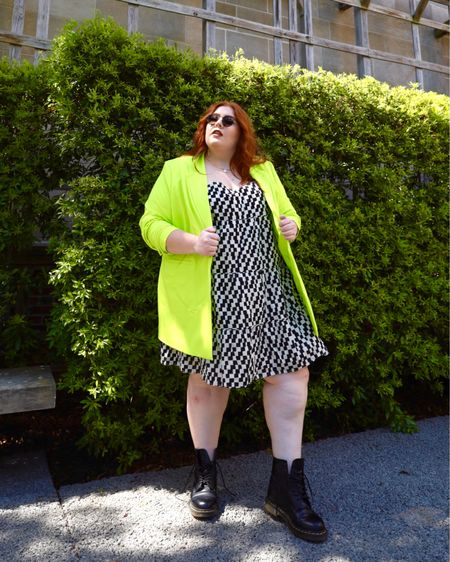 Hey Babes, isn't this dress paired with Neon Green Blazer just the cutest outfit you've ever seen?! http://liketk.it/3iaTS #liketkit @liketoknow.it #LTKcurves #LTKstyletip