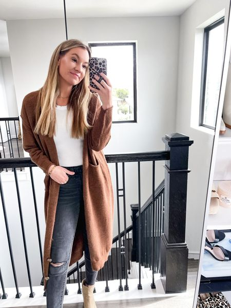Oversized button cardigan! Size small! Use code LEEANNEOCT for 15% off!   #LTKHoliday #LTKSeasonal #LTKstyletip